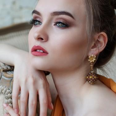 Si tienes dudas de cómo maquillarte el día de tu boda, Kiko nos propone tres looks (de lo más ideales) según el color de tus ojos