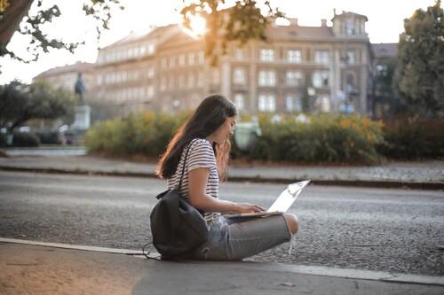 31 cursos online gratuitos que puedes comenzar en julio para aprender una nueva habilidad sin tener que pagar nada