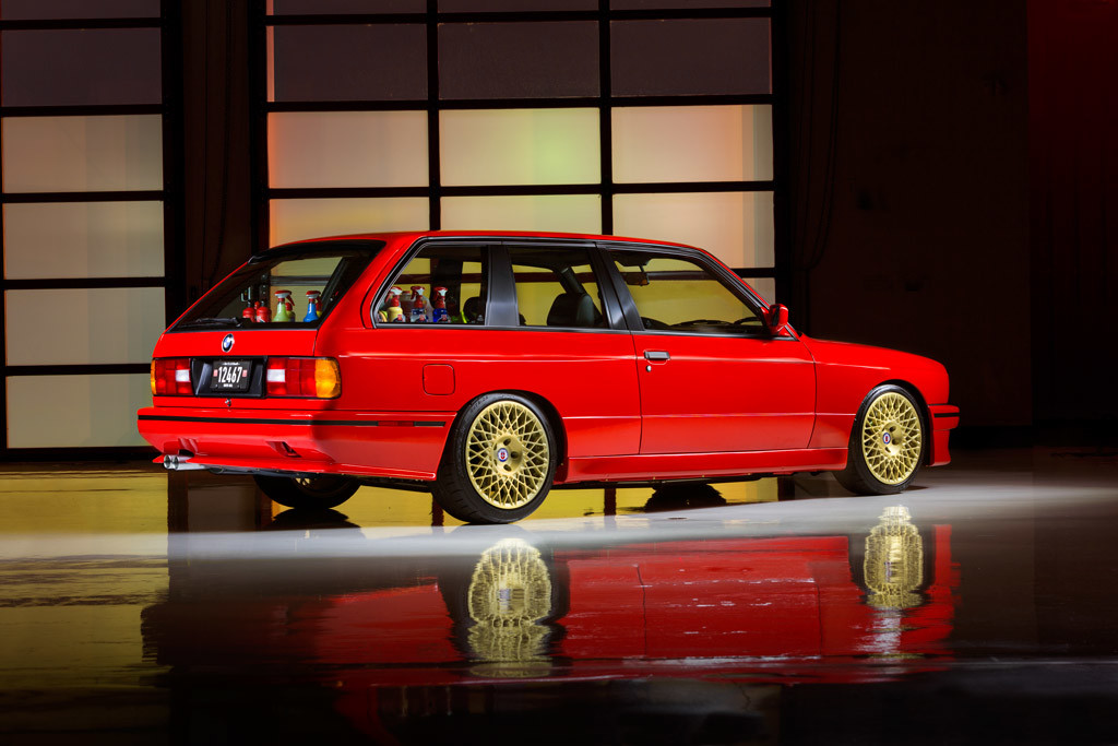 Este BMW 'M3 E30' es familiar, dos puertas y también el coche de empresa más chulo de la historia