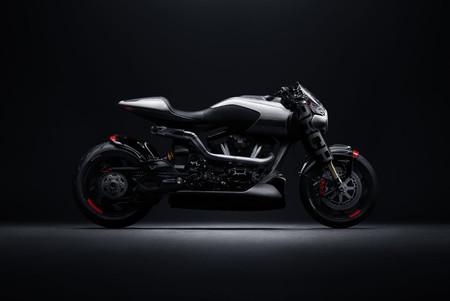 Keanu Reeves muestra su colección de motos con joyas como la Ducati 998 utilizada en 'The Matrix Reloaded'