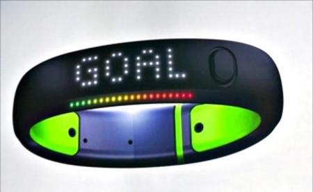 Nike+ Fuelband SE, la pulsera que te reta a moverte, ahora a todo color