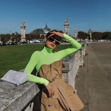Los celebrities dicen sí a los colores neón y a los tonos vivos: 13 prendas para adaptar la tendencia más llamativa a tus looks