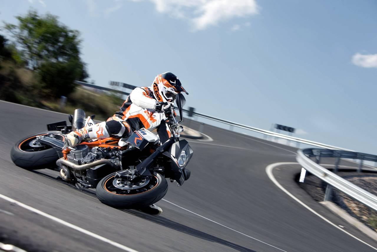 Foto de Resto de novedades de KTM presentada en el Salón de Milán 2011 (14/25)