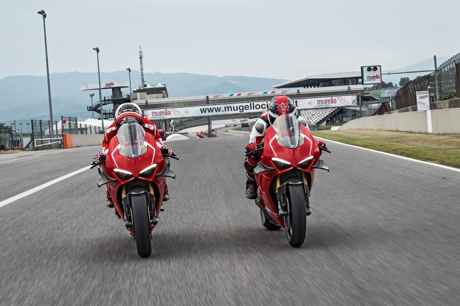 Foto de Ducati Panigale V4 R 2019 (37/87)