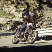 La Yamaha XSR700 XTribute recupera el estilo XT500 por 8.499 euros, 800 euros más que la XSR700