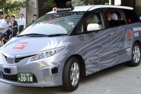 Japon Prueba Taxis Autonomos Con Pasajeros  En La Via Publica