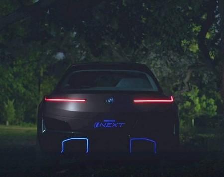 BMW Vision iNext revela su atractiva parte posterior y continúa abriéndonos el apetito