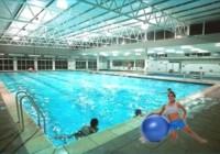 Fitball + agua: una fusión divertida