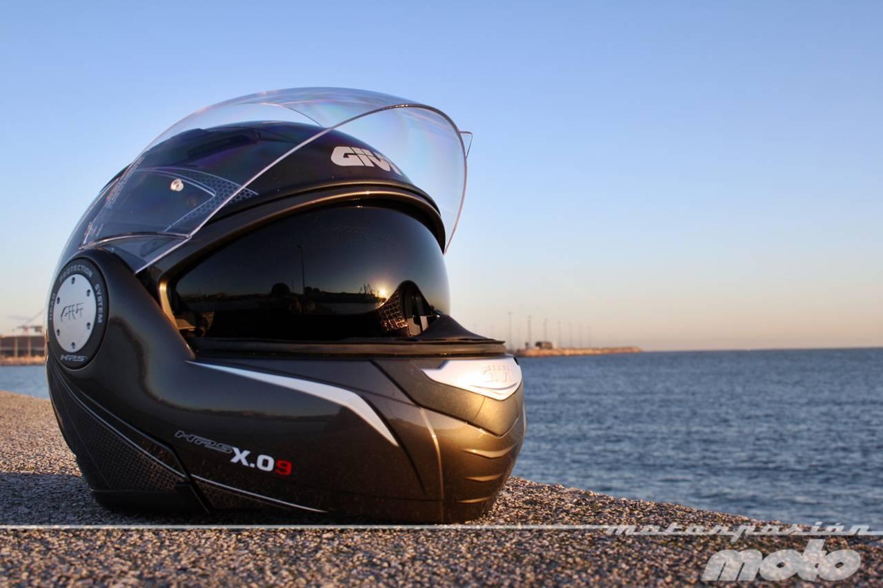 Foto de GIVI X.09, prueba del casco modular convertible a jet (8/38)
