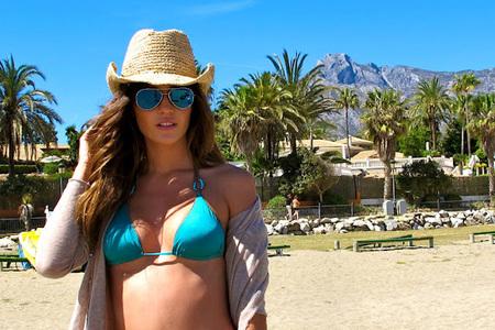 Malena Costa sombrero