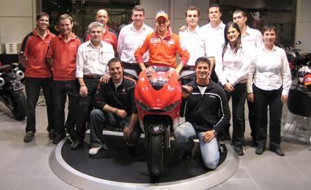 Casey Stoner visitó Ducati Valencia