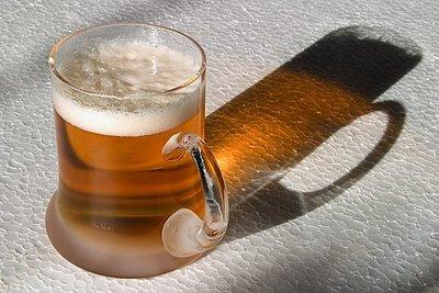 ¿La cerveza negra tiene más hierro que la rubia?