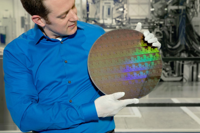 IBM ya está en los 5nm: 30.000 millones de transistores en el tamaño de una uña