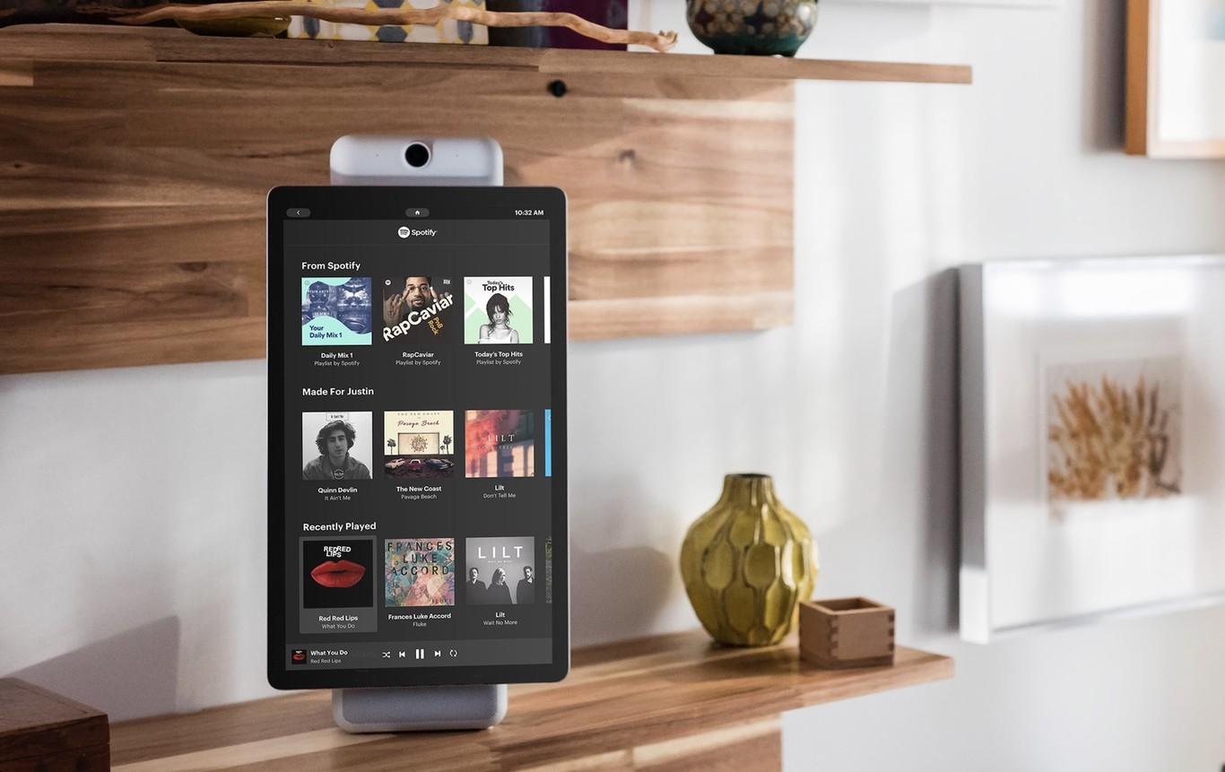 👁 Facebook presenta su asistente para el hogar con cámara y pantalla para ver y escuchar