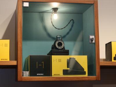 Impossible I-Type, una cámara de fotos que aúna la fotografía instantánea con la digital