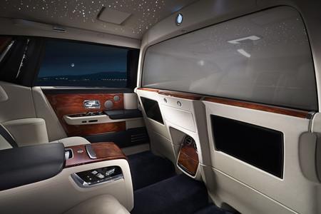 """Lo último de Rolls-Royce se llama """"Privacy Suite"""" y es un interior más íntimo y privado para el Phantom"""