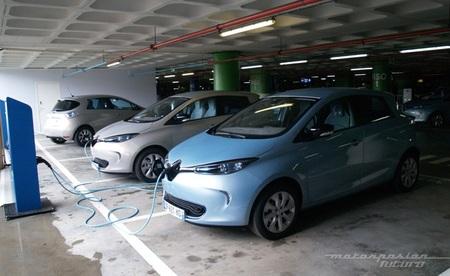 Varios Renault ZOE recargándose