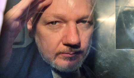 Julian Assange será extraditado a Estados Unidos si la justicia británica da luz verde