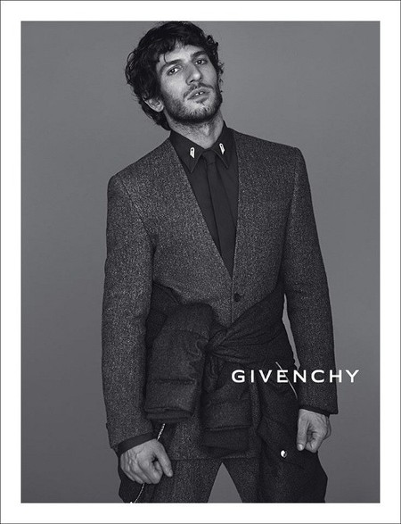 Quim Gutiérrez, de SuiteBlanco a ser el nuevo gitano español de Givenchy