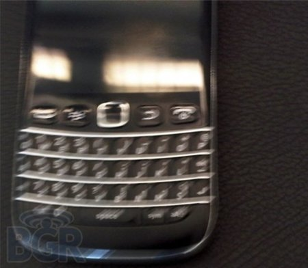 BlackBerry Bold 9790 Bellagio muestra pequeños cambios en una primera imagen