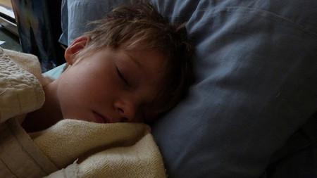 Se recomienda cuidar la higiene del sueño en los niños para prevenir las experiencias psicóticas