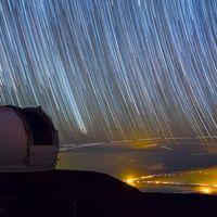 El hipnotizante cielo estrellado de Hawai a través de un maravilloso vídeo timelapse