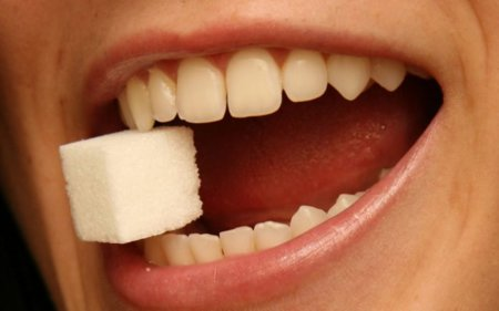 Comer mucho azúcar no causa diabetes
