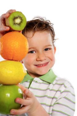 La obesidad infantil no se va a solucionar repartiendo fruta en la escuela