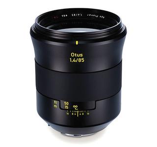 Zeiss ha presentado otro objetivo «enorme»: el Otus 85 mm f/1.4 Planar T