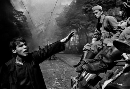 Josef Koudelka Primavera De Praga 1968 01
