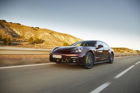 Porsche Panamera Sport Turismo 2021