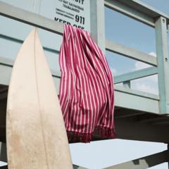 Foto 19 de 28 de la galería let-s-beach-con-textura-caeras-rendida-a-sus-accesorios en Trendencias