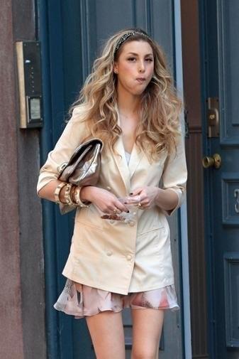 Tendencias Primavera-Verano 2010 según famosas y streetstylers: blazer color neutro