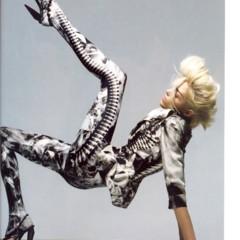 Foto 6 de 11 de la galería vogue-uk-adelanta-la-tendencia-blanco-y-negro-con-anja-rubik en Trendencias