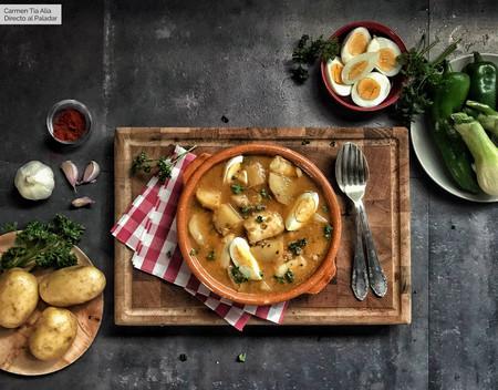 Receta de patatas con bacalao y claves para que te salgan mejor que a tu abuela (con vídeo incluido)