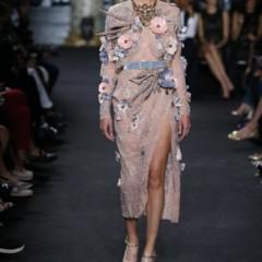 Foto 2 de 18 de la galería elie-saab-viste-de-alta-costura-a-madre-e-hijas en Trendencias