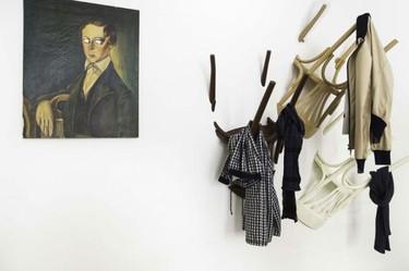 Nikos Tsoumanis nos propone 'Wairs', unos percheros muy originales