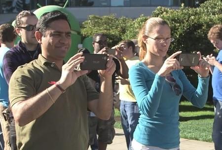 Google quiere presumir su estatua de Android Kit Kat y revela accidentalmente el Nexus 5