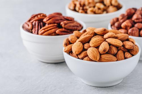 Cómo tostar frutos secos en casa (y por qué merece la pena tomarse la molestia de hacerlo)