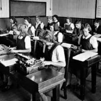 En Finlandia los niños no aprenderán a escribir, sino a teclear [Actualizada]