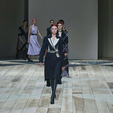 Alexander McQueen recrea el romanticismo contemporáneo inspirado en Gales en su colección Otoño 2020 en la Semana de la Moda de París