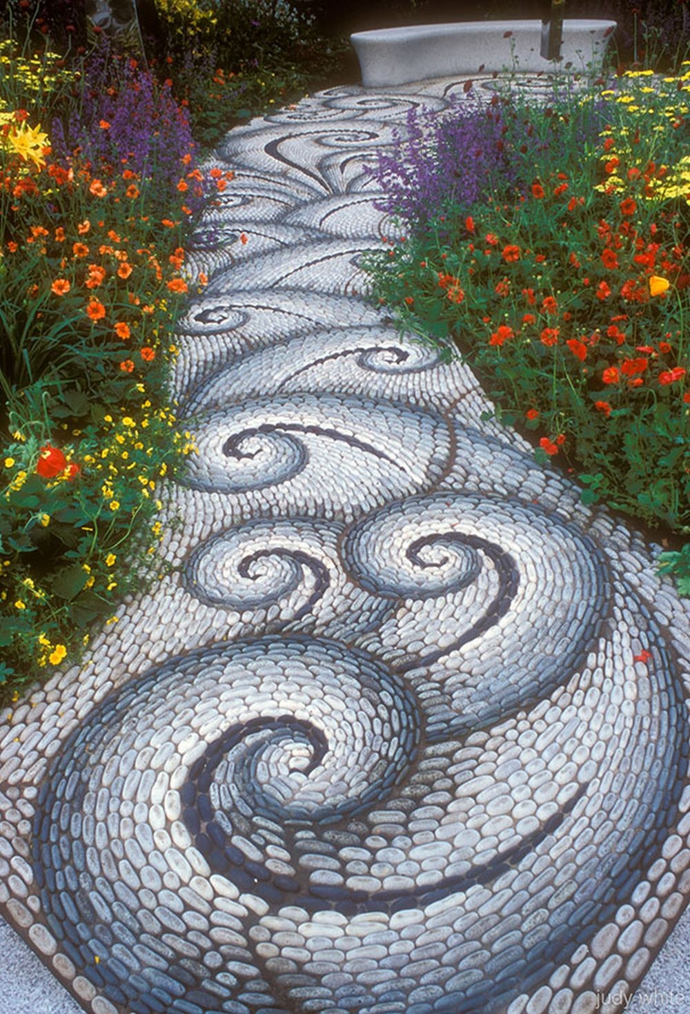 Backyard Landscaping Ideas 15 Magical Diy Pebble Paths That Seem Shaped By The Wind Homesthetics 3