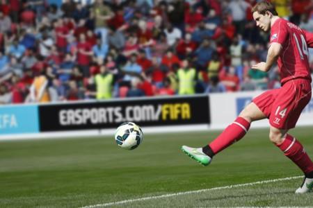 """Un jugador """"experto"""" en FIFA 15 se presta para entrenar al Liverpool F.C."""