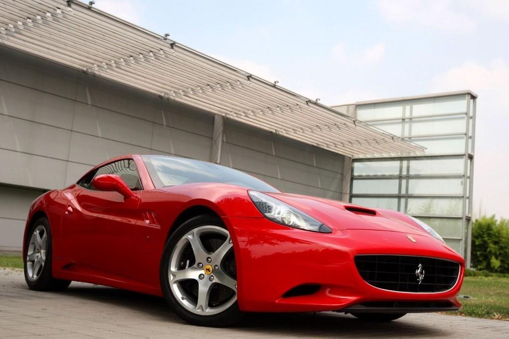 Foto de Ferrari California (15/50)