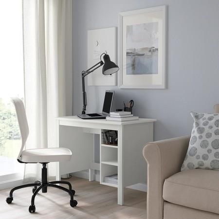 Cinco escritorios  de Ikea, El Corte Inglés y La Redoute para integrar un puesto de trabajo en casa de manera discreta