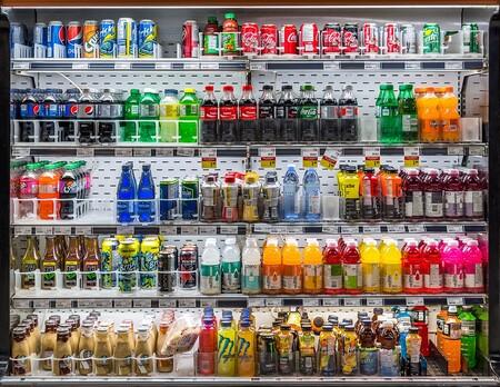 Consumo anuncia el impuesto a las bebidas azucaradas. Esto sabemos de su implantación y efectividad