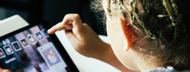 La obsesión contra las pantallas nos hace ver peligros donde solo hay correlaciones (y eso sí que es problemático)
