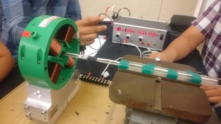 Parte Del Prototipo Del Acelerador