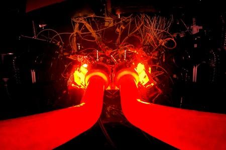 No es el infierno, es el nuevo motor 3.0 V6 biturbo e híbrido de Aston Martin durante las primeras pruebas