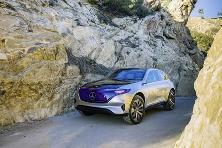 Daimler va a tener que modificar su apellido eléctrico EQ en China